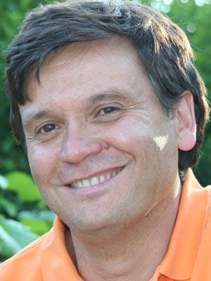 Frases, Imágenes y Biografía de César Fernández García
