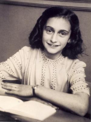 Frases, Imágenes y Biografía de Anne Frank
